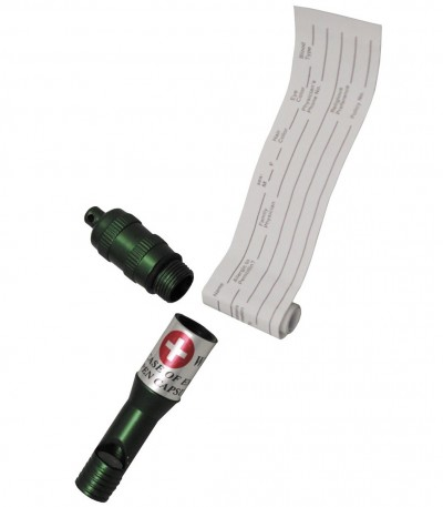 Kovová zelená píšťalka s pouzdrem a s kroužkem na klíče