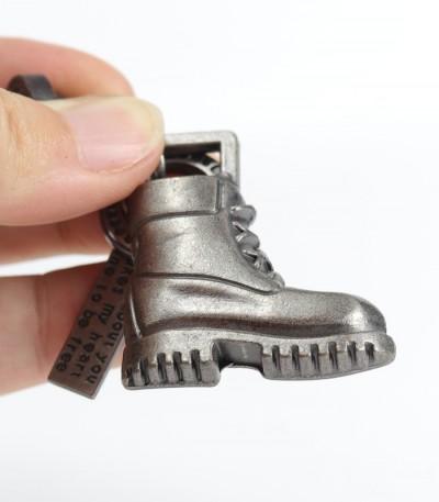 Přívěsek bota a nápis