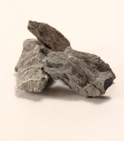 Karbid vápníku na krtky - kámen